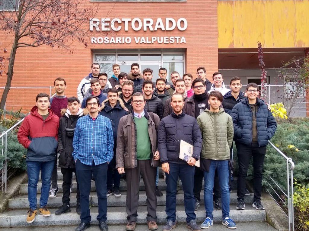 Alumnos del Grado Medio de Sistemas Microinformáticos y Redes de Altair han visitado la Universidad Pablo de Olavide